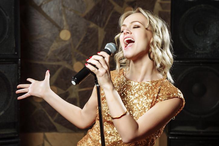 Comment respirer pour chanter sans forcer sur sa gorge