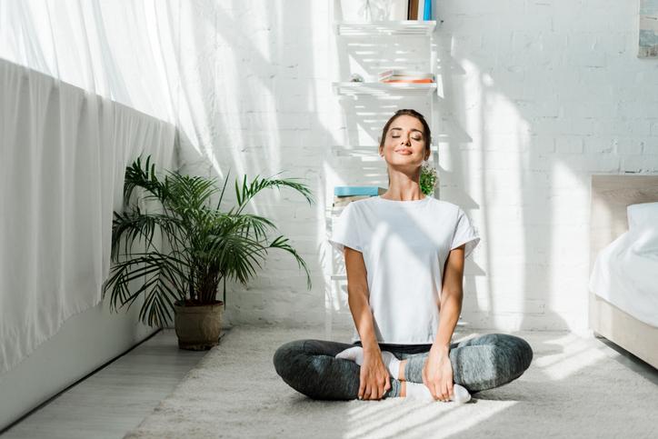 Pourquoi respirer par le nez en yoga